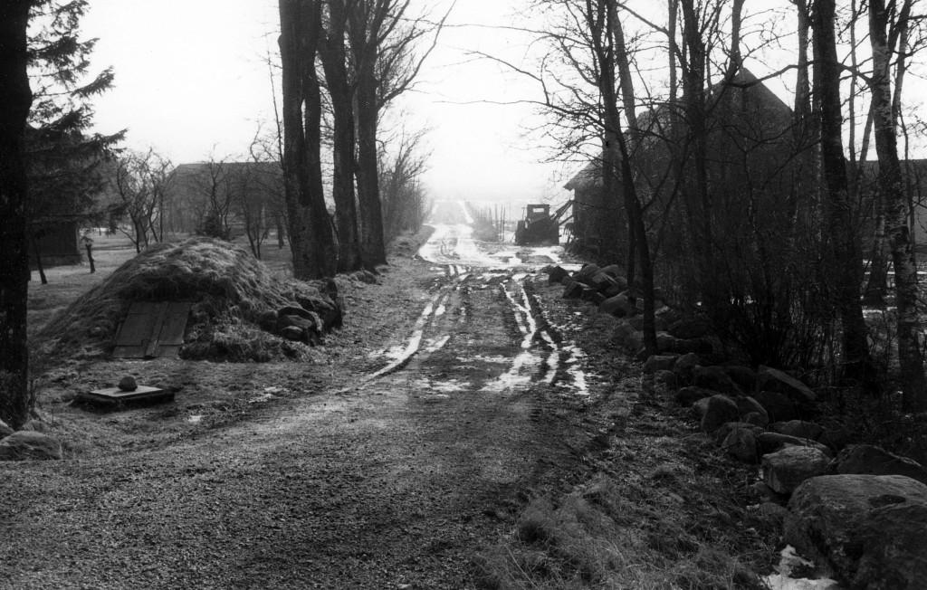Markväg från de utflyttade gårdarna i Per-Olofsgården