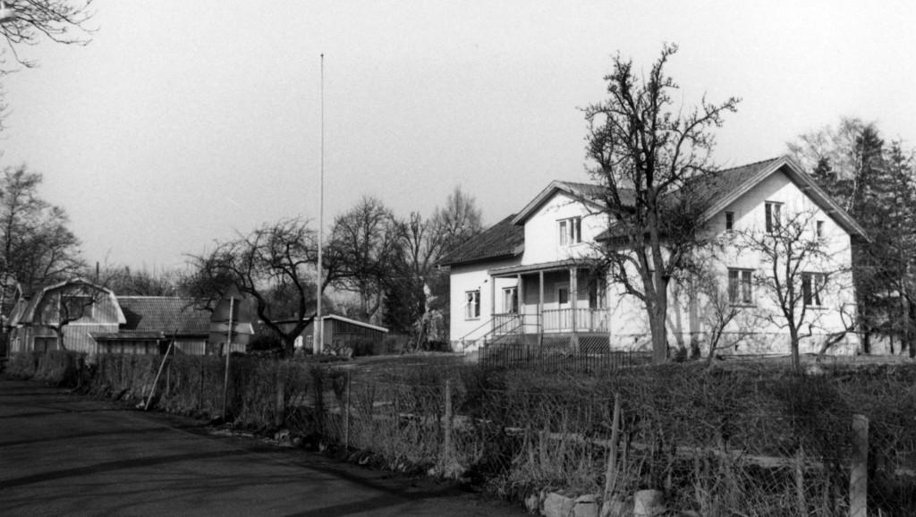 Longs folkskola efter ombyggnad till lägenheter